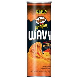 Pringles Wavy Applewood Smoked Cheddar (137g)
